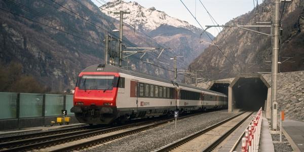 全球最长隧道通车:17分钟穿越阿尔卑斯山