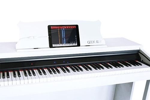 Geek智能钢琴