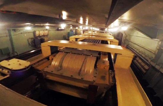 俄军航母拦阻器内部构造曝光