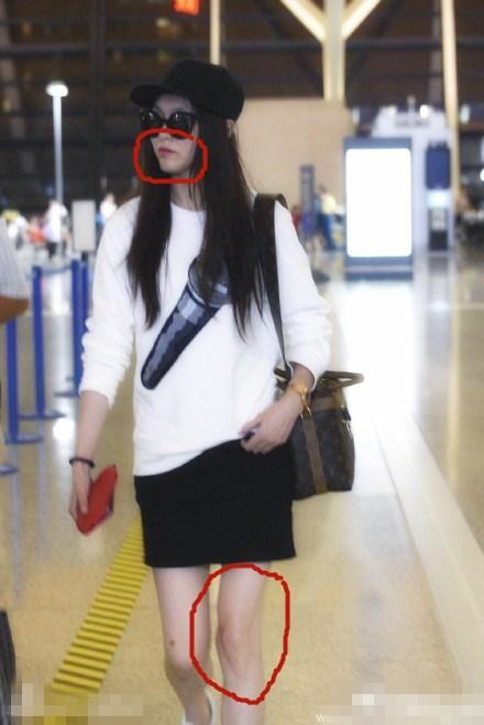 唐嫣在机场出现,网友惊奇的发现长腿难道变形了?