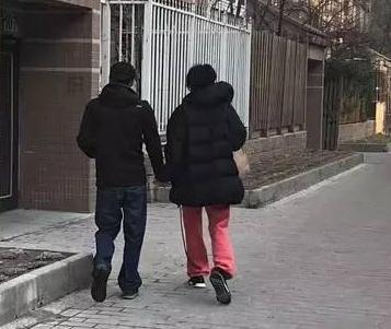 王菲&谢霆锋居家生活已如老夫老妻,可身高差也抢镜,号称174.5的谢霆锋到底多高?