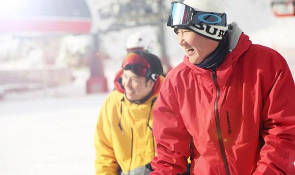 孙楠率楠之滑雪队云顶开滑 为冬奥会加油
