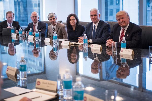 特朗普召集科技界CEO举行圆桌会议 现场大佬云集