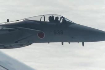 铁证!日本F-15干扰我军机画面曝光