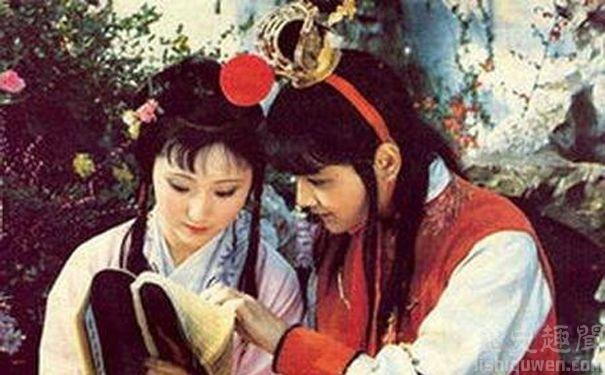 贾宝玉为什么不喜欢薛宝钗而喜欢林黛玉?