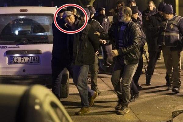 枪手试图闯美国驻土大使馆 当场被捕