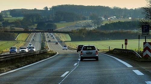 汽车可以不停歇跑多远 99%司机都不知道
