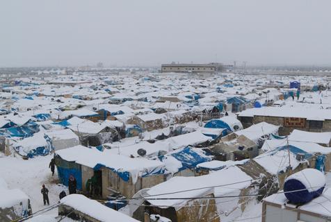 """叙利亚降雪 """"帐篷城""""居民生活艰辛"""