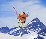美国运动员拍全裸日历高山滑雪高尔夫齐上阵