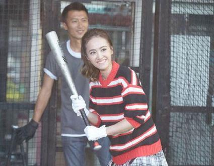 """与锦荣6年情断 """"18岁""""的蔡依林一个人照样活的精彩"""