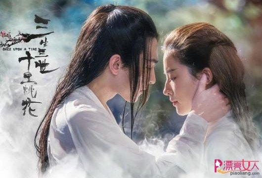 杨洋刘亦菲深情拥吻画面曝光 甜蜜虐狗啊