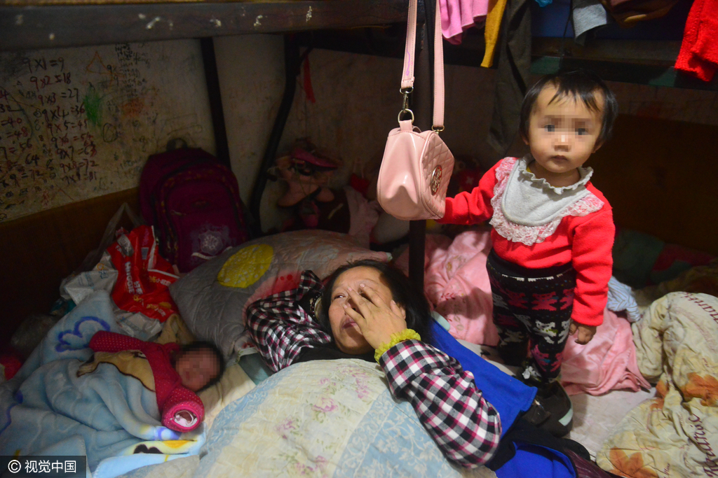 厦门:为要儿子夫妻连生8个女儿 蜗居出租屋