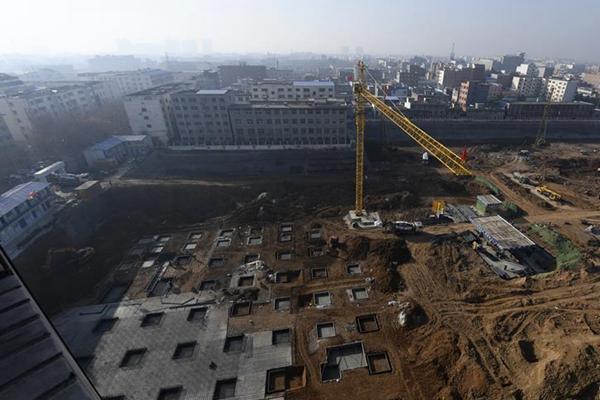 河南百余座汉墓遭破坏 开发商:考古跟迁坟一样