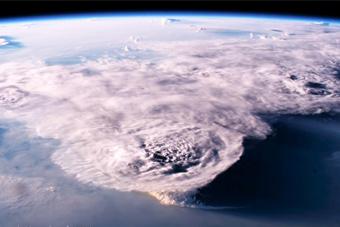 NASA发布2016年度地球最美瞬间