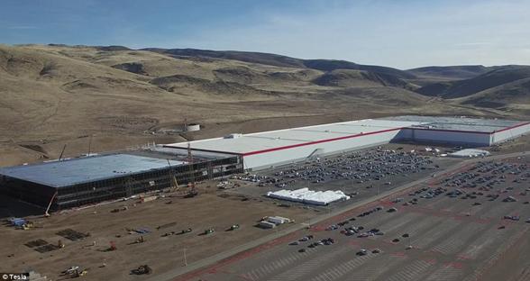 无人机曝光特斯拉超级工厂  预计2020年完工
