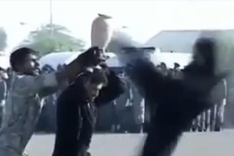 伊朗特种兵被一个花瓶难住