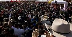 墨西哥15岁女孩生日派对 引来数千名陌生人