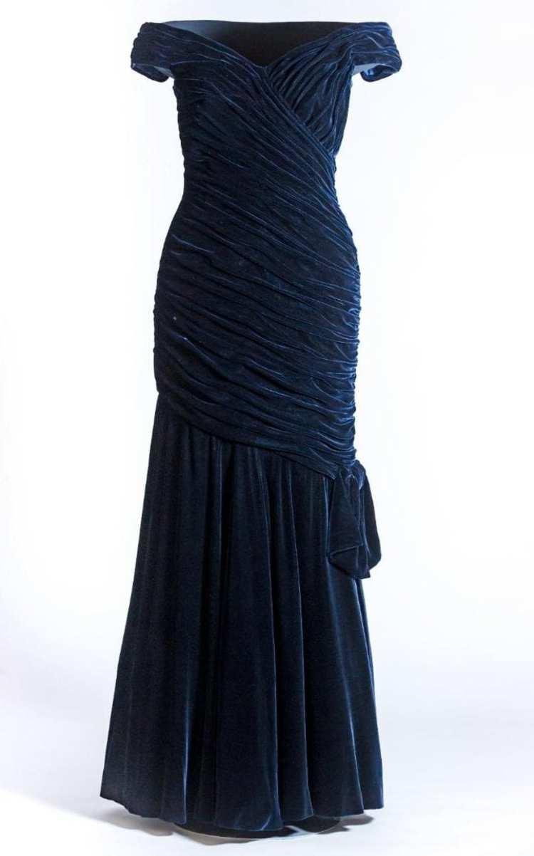 戴安娜王妃过世 20 周年,肯辛顿宫要展出她的 26 件衣服