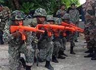 印度两栖部队受训道具枪凑不齐
