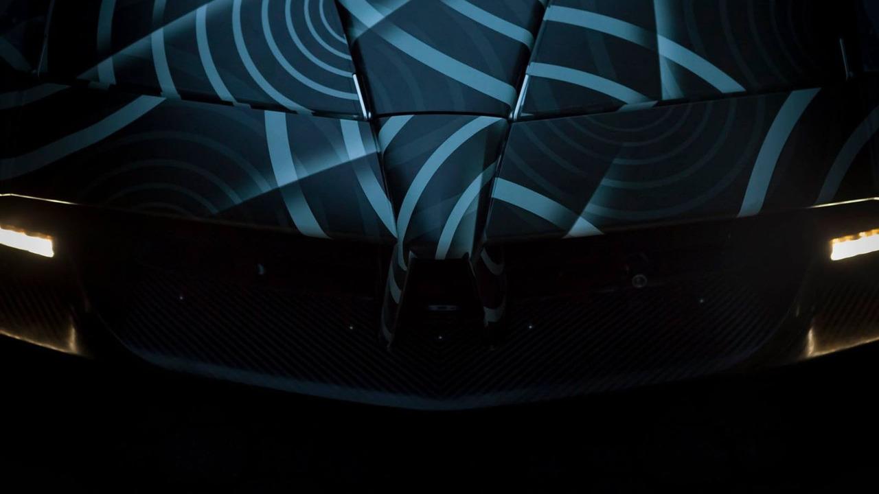 帕加尼Huayra敞篷版预告图发布 有望3月亮相