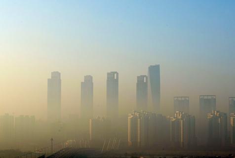 韩国仁川现雾霾天气 高楼若隐若现