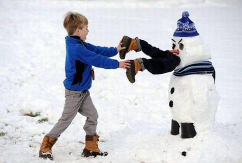 笑晕,你们堆雪人的水平太牛了