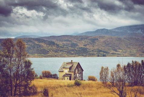 挪威偏远之地被弃房屋透露忧郁美