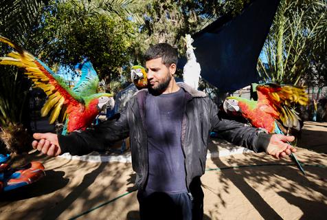 加沙动物园动物被饿死 干尸成玩具