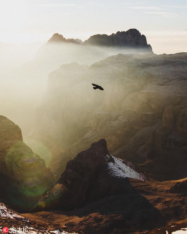 摄影师欧洲冒险登山观鸟 探险路上美景如画令人迷醉