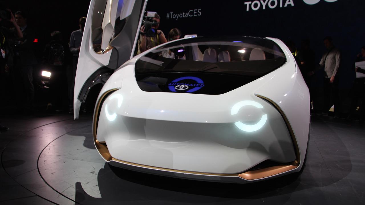 丰田Concept爱i概念车亮相CES 人工智能相伴