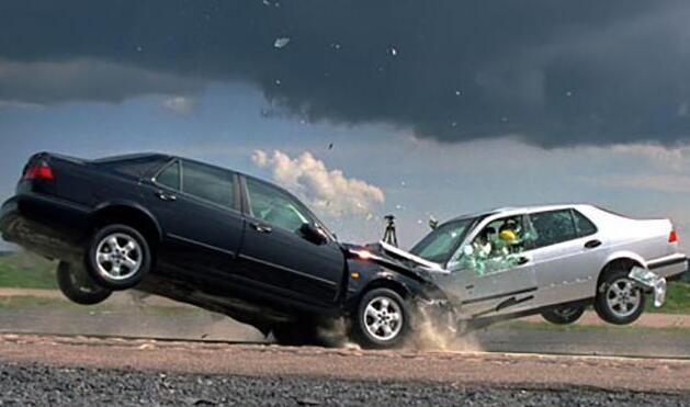 刚买新车竟被吊销驾驶证 提车时要知道这些