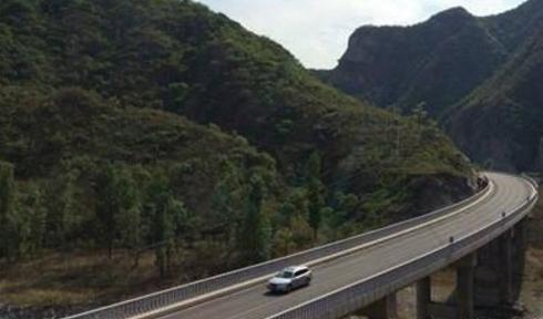 比高速路危险十倍 开车上国道10大注意事项