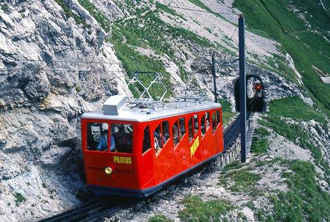 瑞士世界最陡铁路运行120年零事故