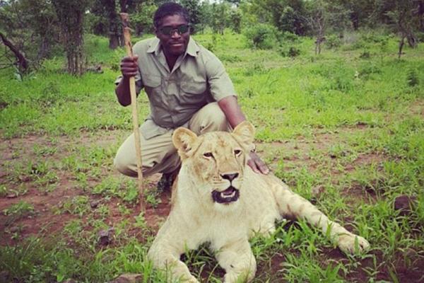 赤道几内亚总统之子社交网络上高调炫富