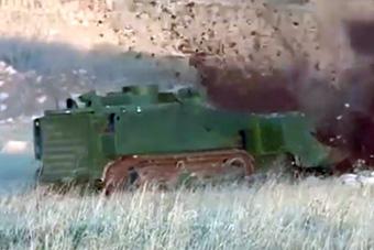 俄军扫雷机器人在叙利亚作战