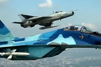南亚某国同时装备中美俄战机