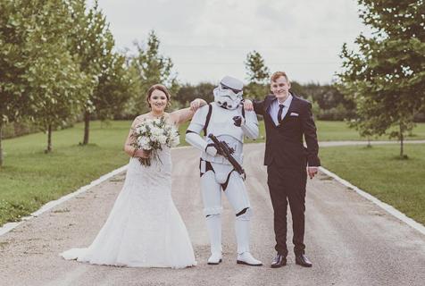 """新西兰新娘为新郎准备""""星球大战""""婚礼"""