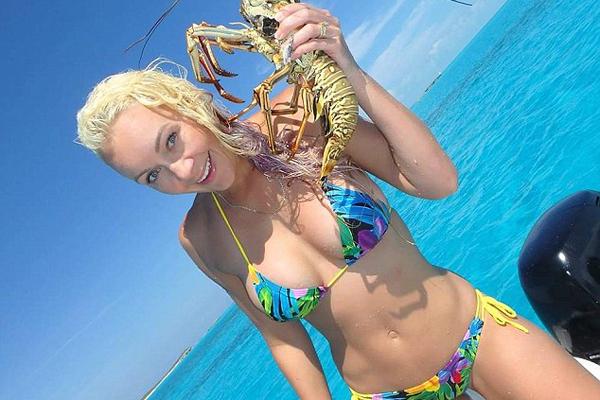 澳比基尼美女迷上钓鱼希望开设钓鱼节目