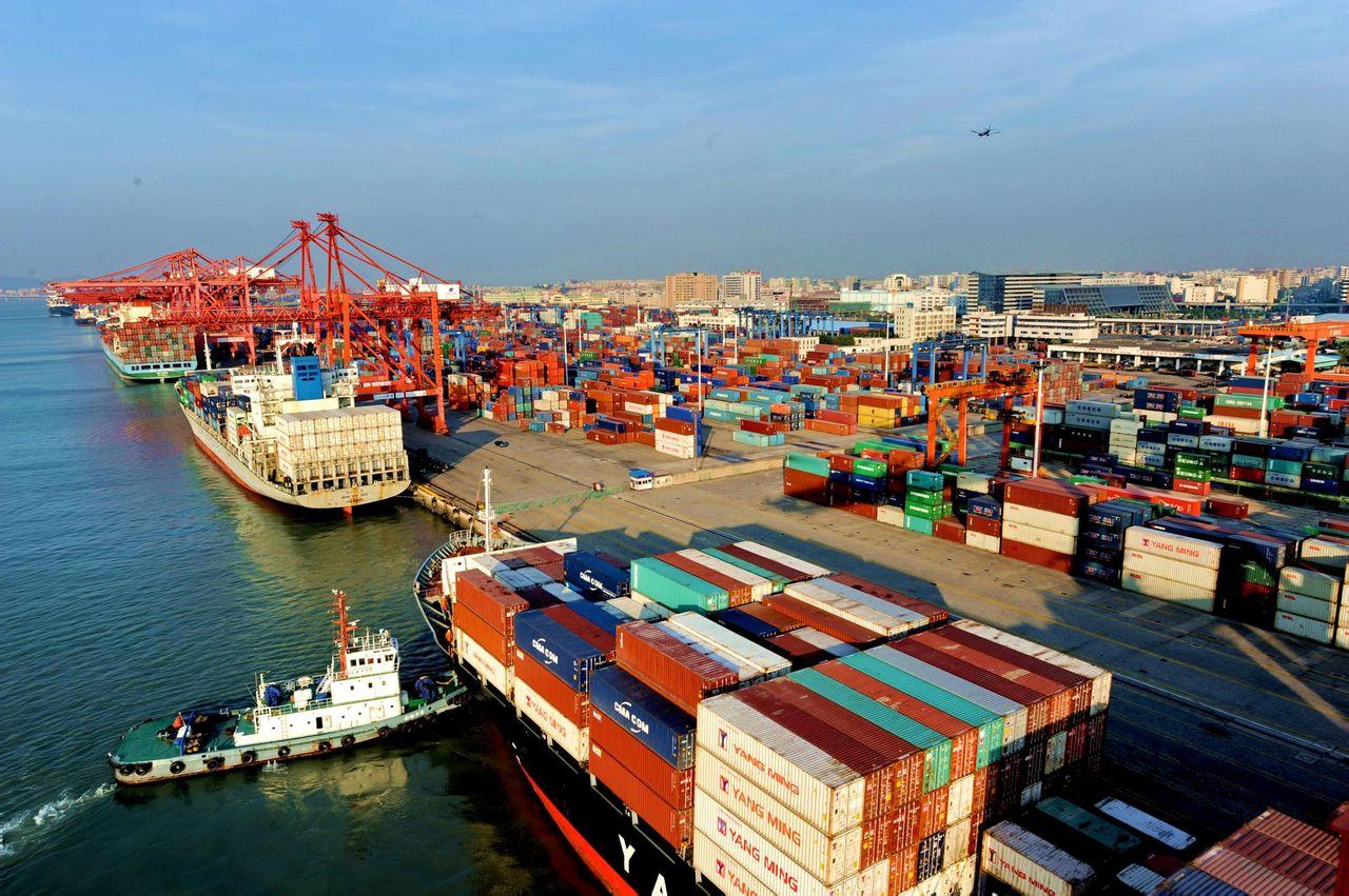 厦门港尝试探索无人机技术 已实现船上起降