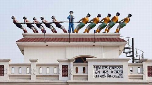 印度屋顶水箱讲述主人故事