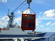 海军舰队日本海上进行补给