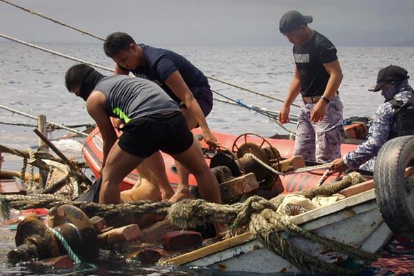 菲律宾一渔船疑遭海盗袭击 8人被杀害