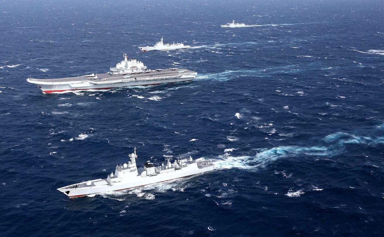 辽宁舰编队北返穿台湾海峡 台军舰机悉数出动