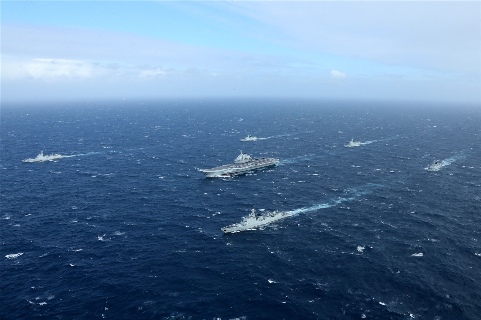 台媒:台全力监控辽宁舰动态 派护卫舰伴随北上