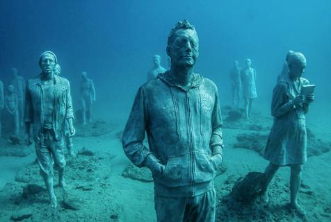意12米深水下雕塑博物馆开业迎客