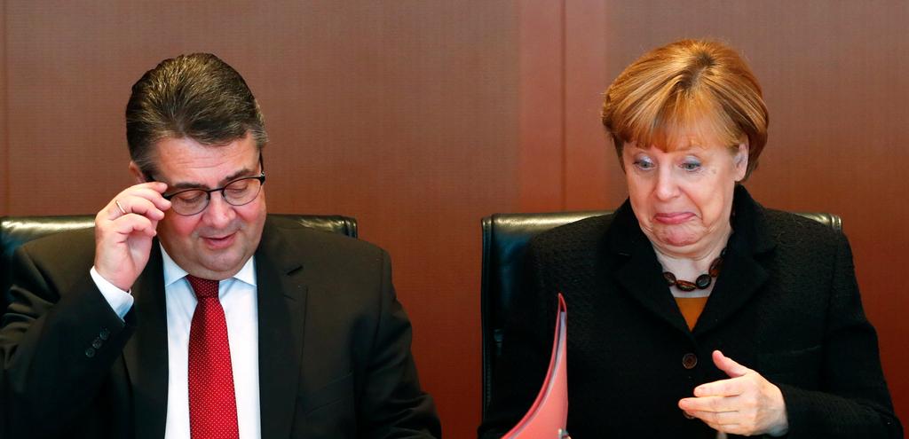 """德国总理默克尔出席内阁会议变身""""表情包"""""""