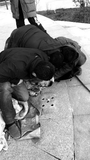 嫌犯酒后行凶徒步南逃 警方追踪25天吃60箱泡面