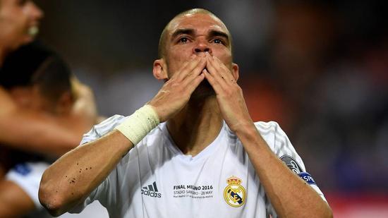 曝佩佩拒绝中超将续约皇马1年 为世界杯大幅降薪