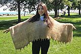 英女子用宠物狗毛发织毛衣