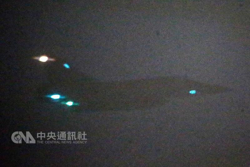 明升国际结束出访抵台 4架幻影2000战机升空迎接